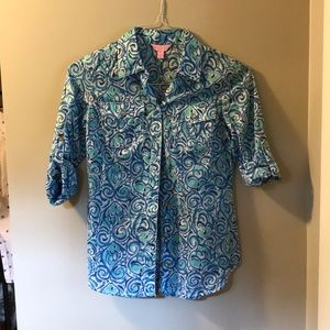 Lilly Pulitzer blue print camp shirt